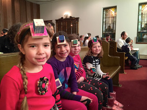 World Wide Wrap at Agudat Achim Synagogue to introduce youth to the mitzvah