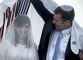 Valentine's Day survey: Most Jewish Israelis support civil marriage and divorce