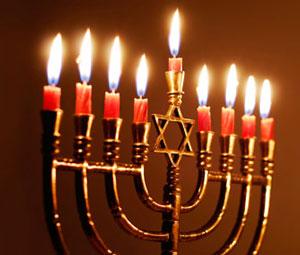Oh Chanukah, Oh Chanukah, Come light the menorah!