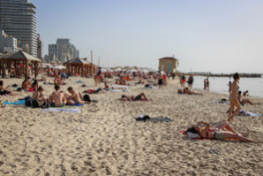 For Israelis, Election Day means hard choices — and sunbathing