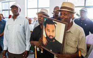 Hundreds attend funeral of Ethiopian-Israeli teen killed by off-duty police officer